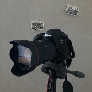 クリエィテイブと謎の一眼レフカメラ