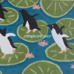 蓮の上のペンギン