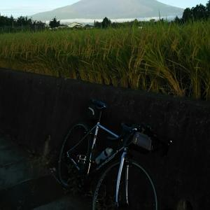 忍野村ライド(山中湖花の都公園、二十曲峠、忍野八海、富士山、台風が来る前、天めん)