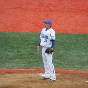 横浜DeNAスコアラー高崎健太郎さんがベイスターズベンチで笑顔なのが嬉しすぎる件!