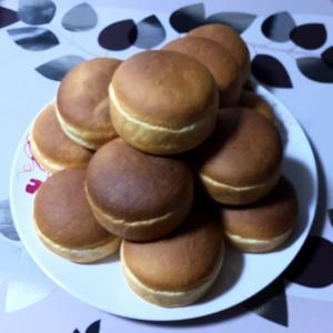 今週は  パン シフォンケーキ。 ショルダーバッグ途中