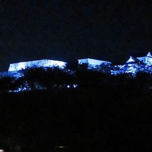 部屋から城跡ライトアップ@シロヤマテラス