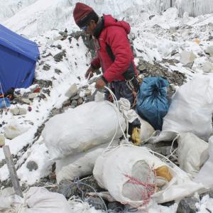 エベレスト ゴミ問題