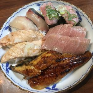 回るお寿司お持ち帰り〜♪