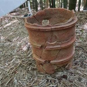 ◆タケノコ掘ってたら発見? 円筒埴輪2体持ち去られる 奈良の大塚山古墳!