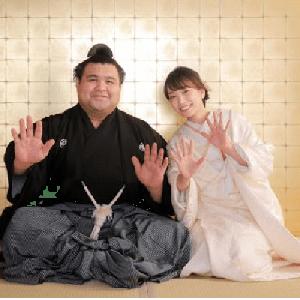 ♥大関 高安(30)・演歌歌手 杜 このみさん(31)と結婚:2がつ出産予定お目出度う!