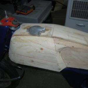 CA78 をCB92風に改造 塗装とタンクの木型 Part 7