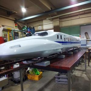 新幹線 N700A 外装が出来てきた。