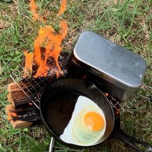 デイキャンプ② 焚火でメスティンごはん。目玉焼きウインナー。