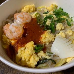 セブンの「ホッケン・ミー」(シンガポール風焼そば)とシンガポール食堂「オッチャホイ」比較