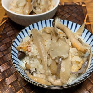 金麦のオマケのこれ!うま!つゆで簡単きのこの炊き込みご飯