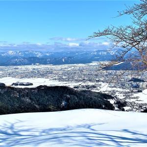 鬼伝説のある 雪の鬼ヶ岳にノボル・・・