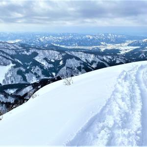 白山眺めに…雪山W登山!取立山&白峰西山~前編~