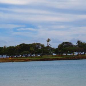 見たらラッキー! アラモアナビーチで「2つの幸運の前ぶれ」に遭遇~ 龍雲と・・!