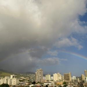 ハワイ、ダブルレインボーがでました! タックスリターンはラストミニッツ~ ホノルルの郵便局は・・