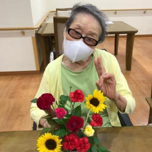 東京都墨田区の高齢者向け住宅「そんぽの家東墨田」さんでフラワーレッスン