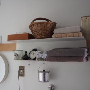 IKEA 壁掛けシェルフ
