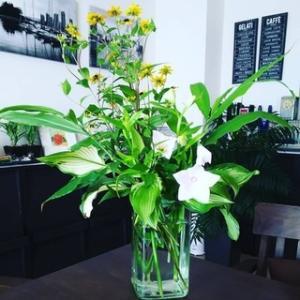 今日のお花『ルドベキア、桔梗、ギボウシ、ミョウガ』