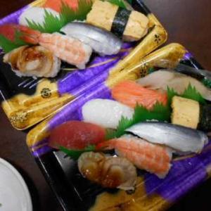 スーパーのお寿司&皿うどん