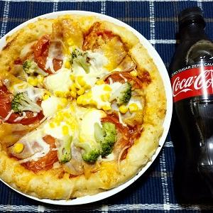 昨日は4種チーズのミックスピザを食べました。