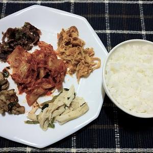 昨日の夕食はおつまみ5品盛りでご飯を食べました。