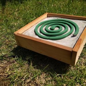 これで夏の虫対策も完璧?!2種類の蚊取線香ホルダーを自作【置き型自作編】