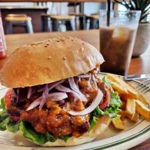 肉肉しさ100%!!江戸川区で人気のアメリカンハンバーガーが千葉に来たーッ!