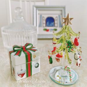 ガラスのツリーとクリスマスBOX♪
