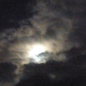 台風と満月