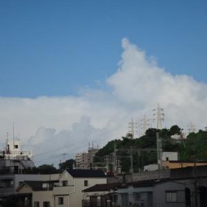 今朝の怪しき空模様