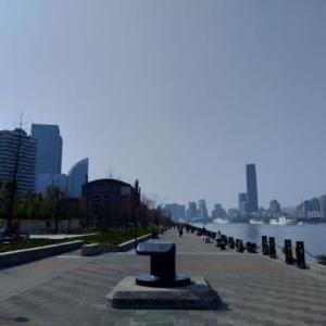 上海 濱江大道の黄浦江河川敷公園