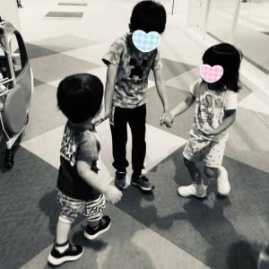 三姉妹の子ら