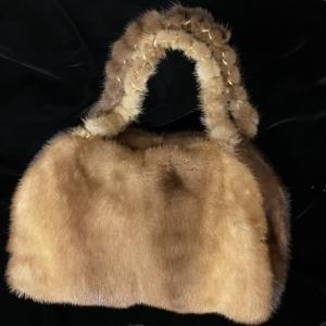 「ミンクのコートでバッグ作り」