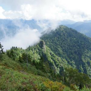 9月20日 秋山郷・鳥甲山 その3 下山編。やはり、鳥甲山は手強かったよ~の巻。