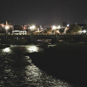 とある夜の七条大橋