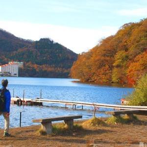 榛名湖畔の紅葉を愛でる
