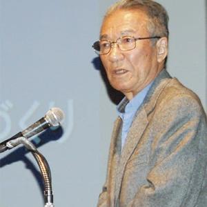 鳴海正泰死去、89歳