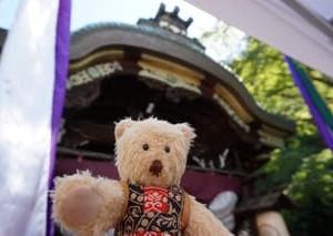 「粟田神社」の大祭。境内で奉納された式庖丁。秋が日々深まってゆく京都