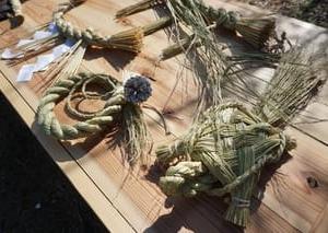 新年の準備・・・もち米の藁で作る「しめ縄」。「叶匠壽庵 寿長生の郷」での「里山体験」