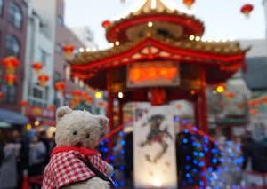 12月15日まで「神戸ルミナリエ」。25年前へ思いを胸に・・・光の回廊をめぐる