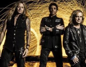 レボリューション・セインツ(Revolution Saints)。新曲「When The Heartache Has Gone」を公開