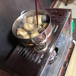 石油ストーブで調理