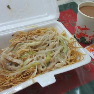 銀芽肉絲炒麺 35ドル