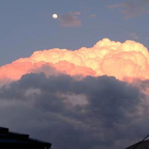 月と夕焼け