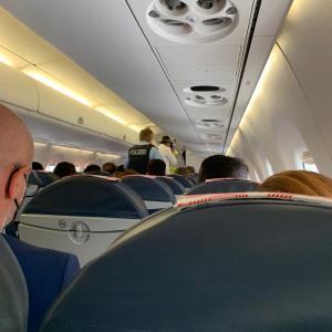 空港に引き返した飛行機。