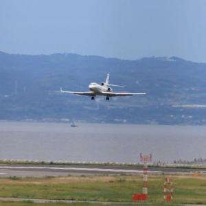 オーストラリア空軍のファルコンが神戸空港に飛来