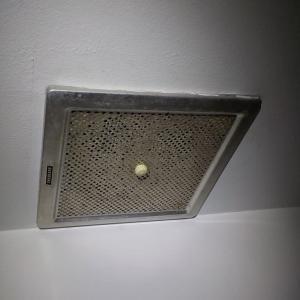 5日 江戸川区浴室リフォーム 照明の取り外し