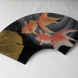 金魚の金彩ガラス皿