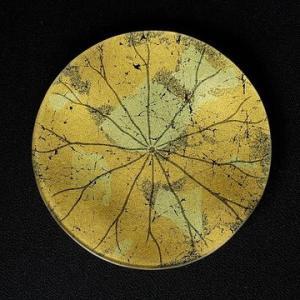 蓮の葉の金彩ガラス皿