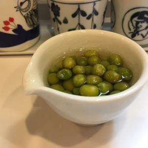 筍の水煮は長期保管出来るし、とっても便利。 そして、グリンピースはまた来年までおあずけだー、、、